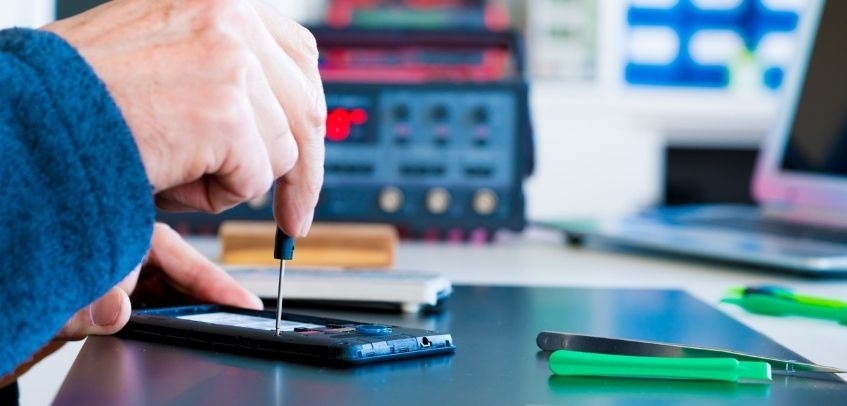 Things you Should know Before Becoming a Cell Phone Repair Technician